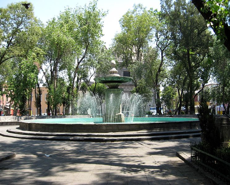 Plaza de Loreto fountain